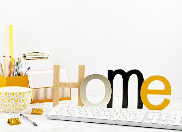 Concepto de oficina en casa con flores en macetas y suministros de oficina, teclado y mouse de computadora
