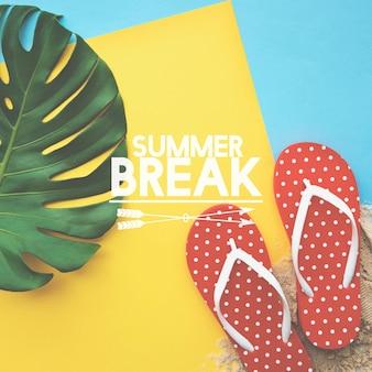 Concepto de palabras de vacaciones de flipflop de estilo de vida de vacaciones de verano