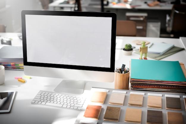 Concepto de pantalla en blanco de espacio de copia de maqueta