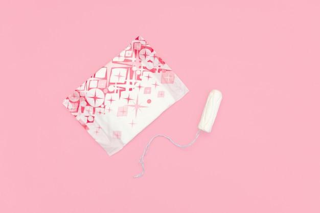 Concepto del período menstrual. protección de la higiene de la mujer.