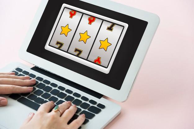 Concepto de premio mayor de máquina tragamonedas de lotería