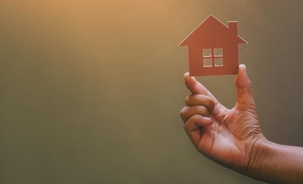 Concepto de préstamos hipotecarios de tener una casa de ensueño.