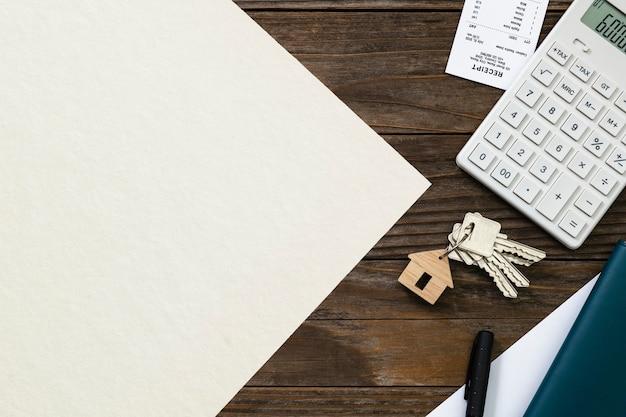 Concepto de presupuesto y finanzas de papel inmobiliario