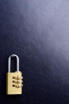 Concepto de protección de seguridad de candado