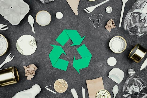 Concepto de reciclaje plano laico
