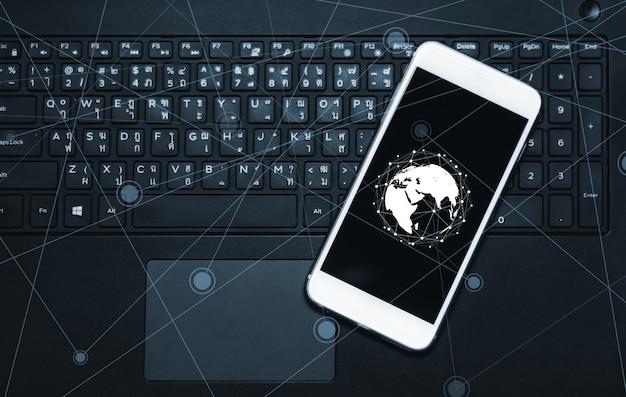 Concepto de red social y conexión a internet