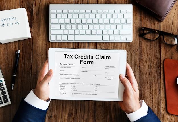 Concepto de reembolso de deducción de devolución de reclamo de créditos fiscales