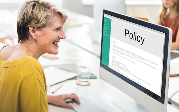 Concepto de reglas de estrategia de principio de información de política de privacidad