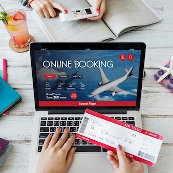 Concepto de reserva de vuelos de boletos aéreos