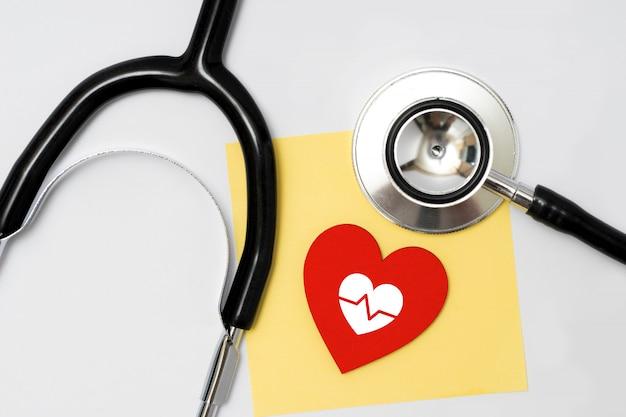 Concepto de salud y médico, cerca del estetoscopio