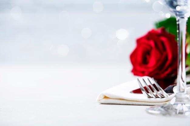 Concepto de san valentín o cena romántica, primer plano