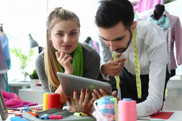 Concepto de sastrería de tecnología de costura de moda