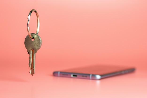 Concepto de seguridad del teléfono inteligente, protección de la red de datos móviles.