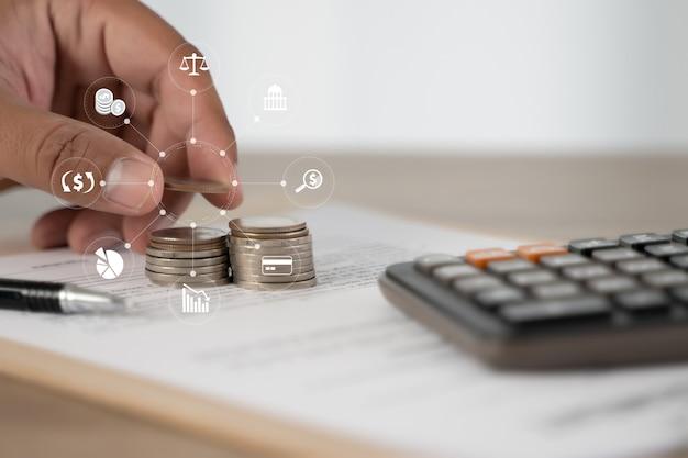 Concepto de seguro de salud en el hogar iconos de emoticon de concepto financiero médico de salud