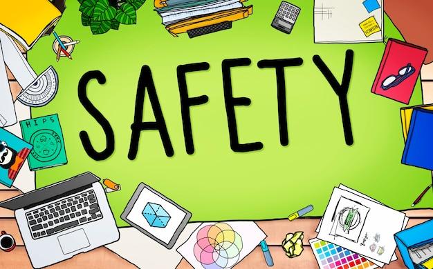 Concepto de seguro de seguridad de protección de firewall de seguridad