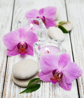 Concepto de spa con orquídeas