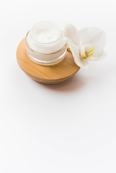 Concepto de spa saludable y crema corporal