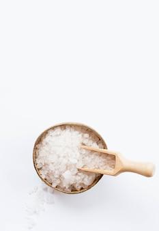 Concepto de spa saludable y sal de baño