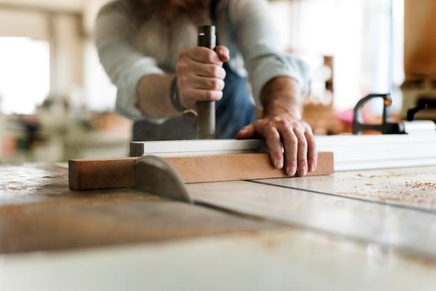 Concepto de taller de madera artesano carpintero artesano