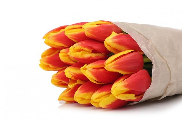 Concepto de tarjeta de día de san valentín ramo de flores de tulipanes