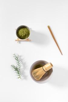 Concepto de té matcha vista superior sobre la mesa