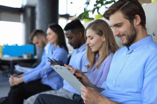 Concepto de trabajo de reclutamiento de entrevista de recursos humanos humanos