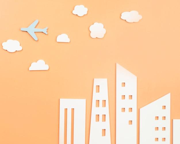 Concepto de transporte urbano con avión.