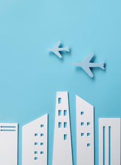 Concepto de transporte urbano con edificios.