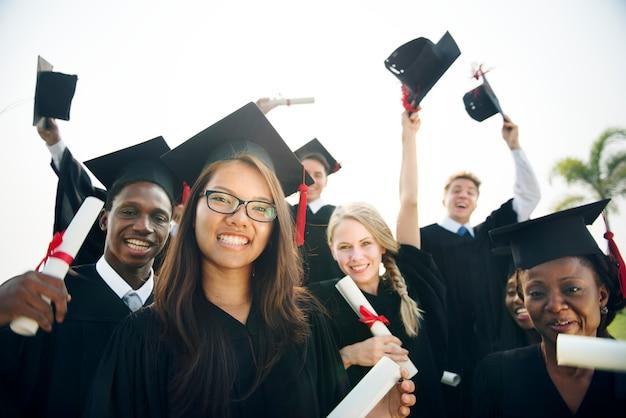 Concepto de la universidad de la escuela del estudiante del logro de la graduación