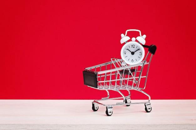 Concepto de venta de compras de viernes negro con c rojo y negro