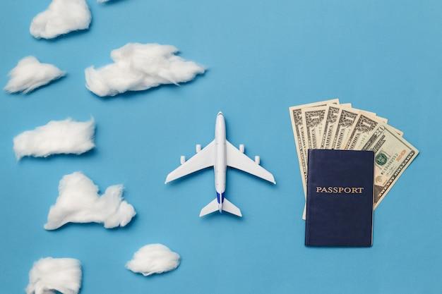 Concepto de viaje aéreo de bajo costo