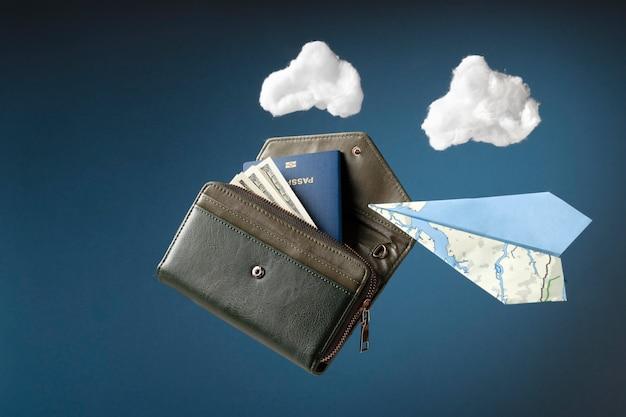 Concepto de viaje con billetera y pasaporte.