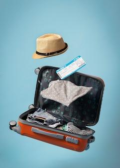 Concepto de viaje con equipaje volador.