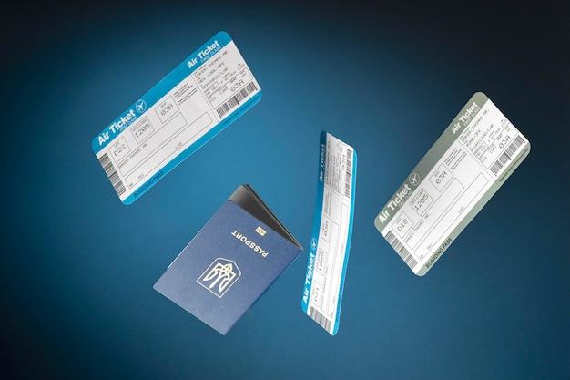 Concepto de viaje con pasaporte y boletos de avión.