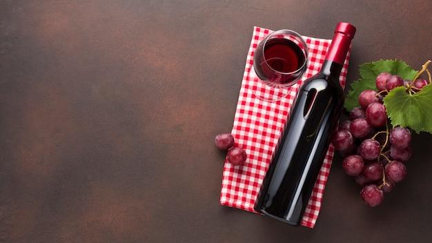Concepto de vino retro simplista.