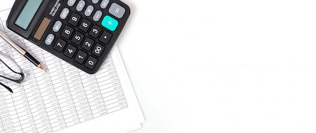 Conceptos financieros, tablas de números financieros y calculadoras.
