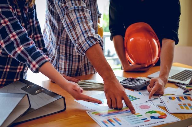 Conceptos de negocio, planificación de negocios y trabajo en equipo con espacio de copia.