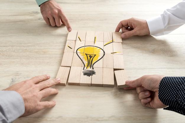 Conceptual de estrategia empresarial, creatividad o trabajo en equipo.