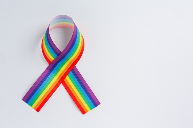 Conciencia de la cinta del arco iris para el concepto de orgullo de la comunidad lgbt