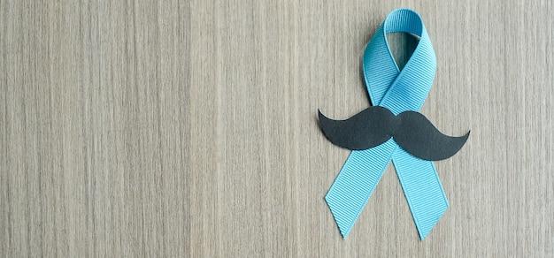 Conciencia del cáncer de próstata, cinta azul claro con bigote