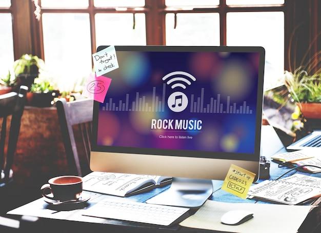 Concierto de banda de audiencia de música rock concepto electrónico