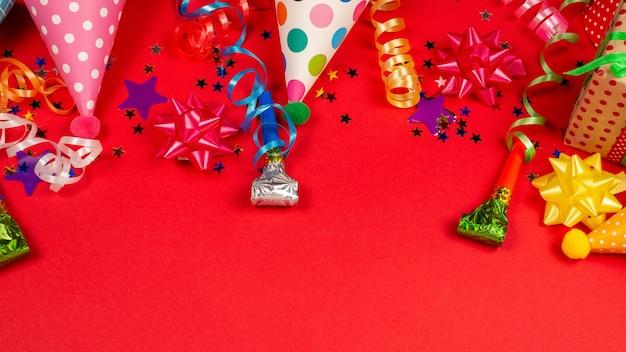 Confeti festivo y composición actual