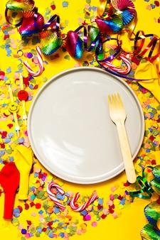 Confeti tarjeta de invitación festiva celebración