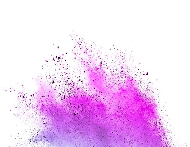 Congelar el movimiento del polvo de color púrpura explotando sobre fondo blanco.