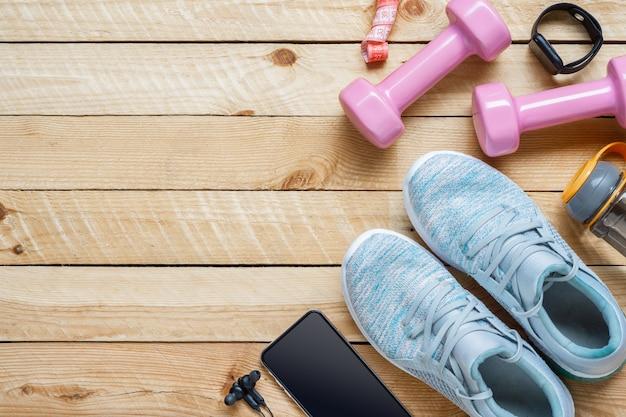 Conjunto de accesorios deportivos para una buena forma física y pérdida de peso.