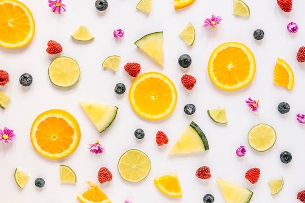 Conjunto de bayas y frutas