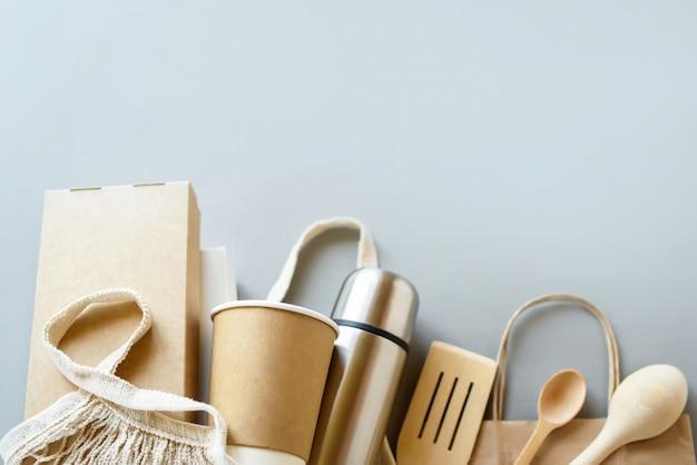 Conjunto de caja de alimentos de fibra vegetal sin blanquear y taza de café de papel. fibra natural eco alimentos y bebidas envasado.