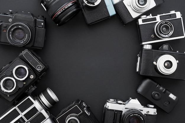 Conjunto de cámaras de fotos retro en círculo