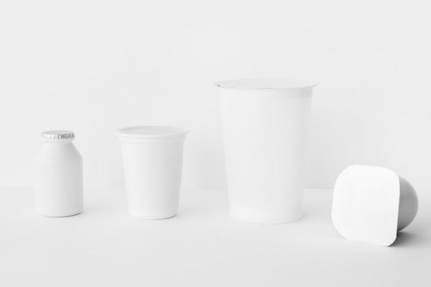 Conjunto de contenedores lácteos surtidos