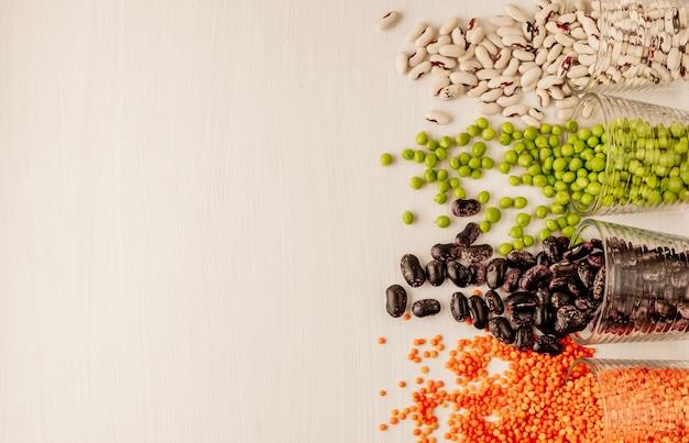 Conjunto de diferentes legumbres secas